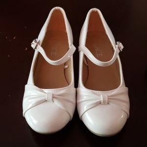 Children's Place Girls White Dress Shoes